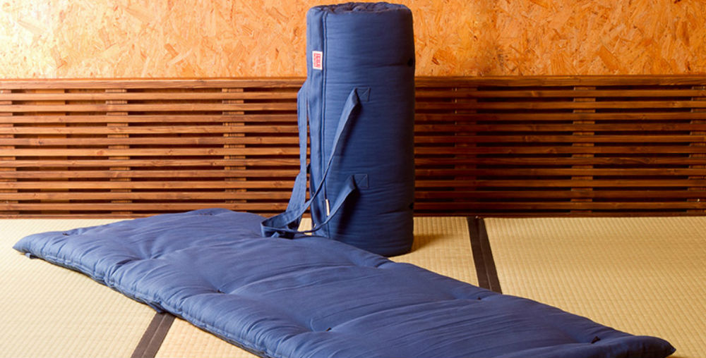 Shikifuton futones meditaci n relajaci n masaje y terapia - Colchonetas para dormir en el suelo ...